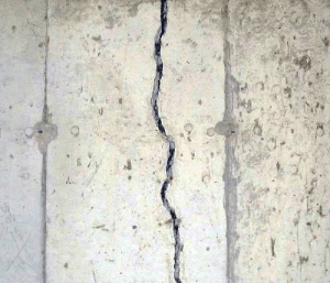 crack on foundation wall